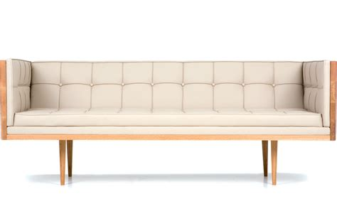 box medium sofa 227m hivemodern