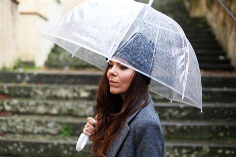ombrelli trasparenti a cupola ombrello trasparente quando l ombrello completa un