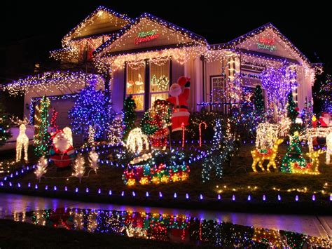 outdoor christmas light displays buyers guide for the best outdoor christmas lighting diy