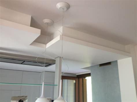 abbassamenti soffitto con faretti abbassamento soffitto in cartongesso prezzo cornici per