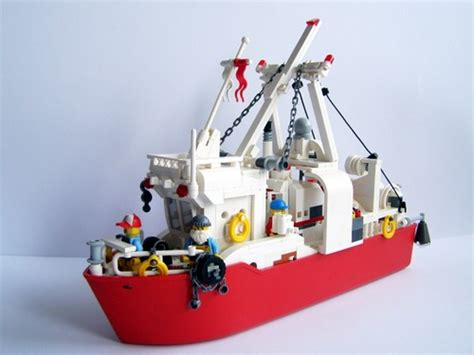 lego boat red little red fishing boat a lego 174 creation by hrvoje