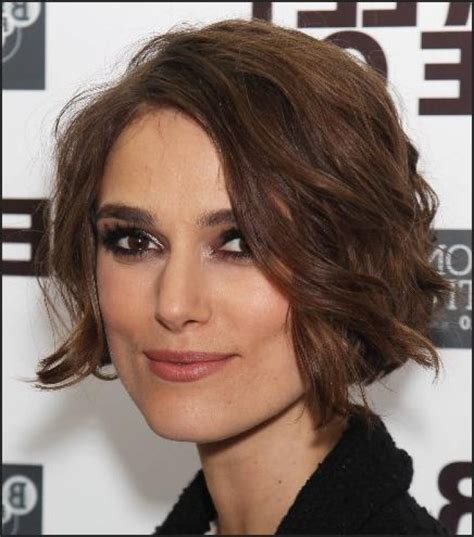 chin length curly hairstyles and how to do them keira knightley chin length curly bob hairstyle short