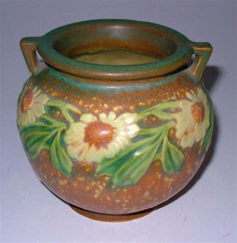 Jardiniere Vase by Roseville Dahlrose Small Jardiniere Vase 2 Handle 4 1 4