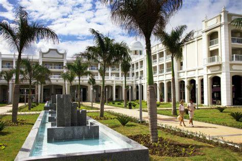hotel riu palace bavaro dominican republic  inclusive