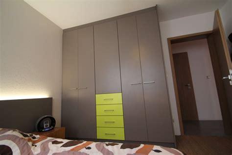placard chambre but design pour placard chambre but