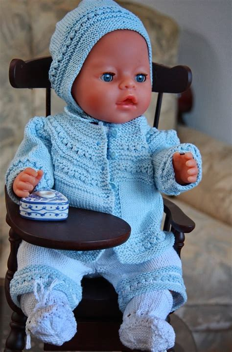 free knitting patterns for dolls clothes to beautiful knitting for dolls