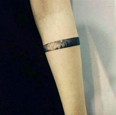 40 Beautiful Bracelet Tattoos for Men & Women   TattooBlend