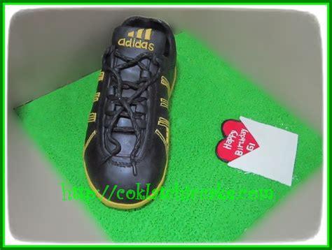 Sepatu Adidas Zappan cake sepatu adidas zappan dlx gi jual kue ulang tahun