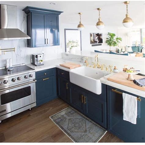 Navy Blue Kitchen Cabinets A Team Obsessed Dedicated To Defining And Creating Your Wedding