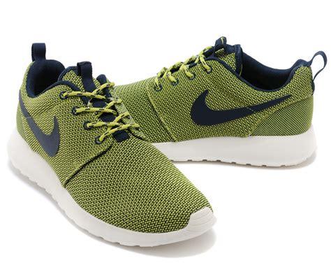 olive green nike shoes s nike roshe run shoes olive green