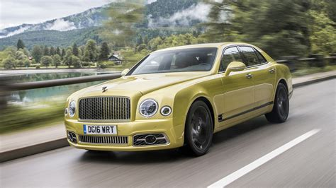 bentley 2017 mulsanne first drive 2017 bentley mulsanne motor1 com