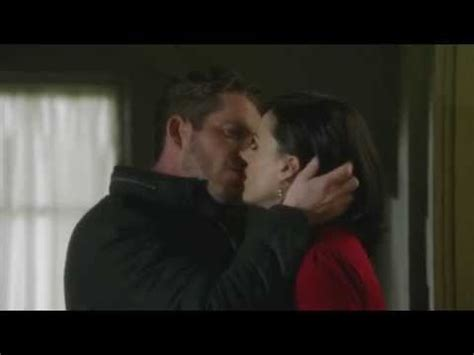 queen film kissing scene outlaw queen kissing scene 3x19 1080p youtube