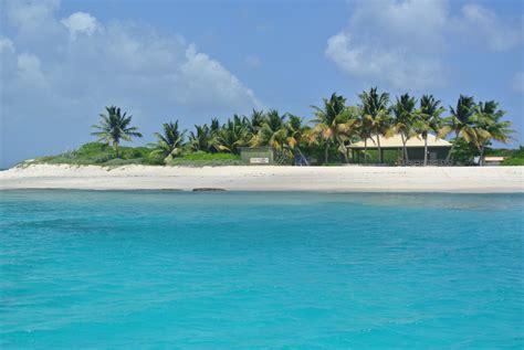 plage paradisiaque   Nettlé Bay Beach Club