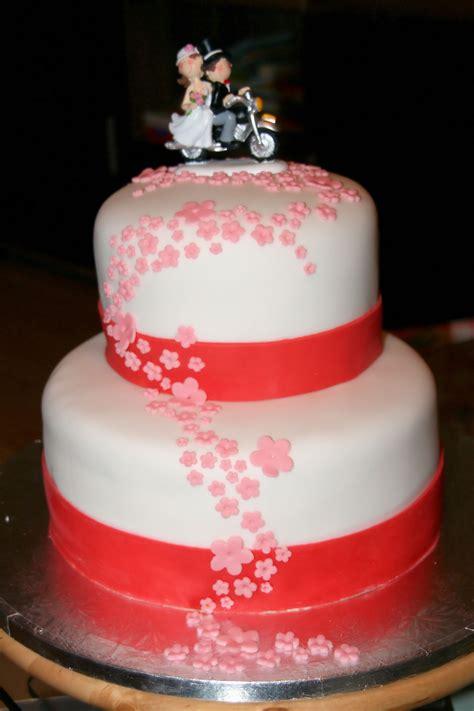 Hochzeitstorte Wei Rot by Besondere Anl 228 Sse 1 187 1 Hochzeitstorte In Rot Rosa Wei 223