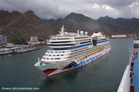 santa tenerife cruise aidastella cruise ship leaving the of santa de