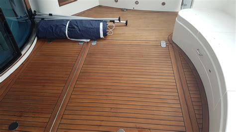 Yacht Tv Lackieren by Fairline 62 Squadron Bluyachting