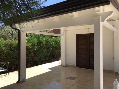 verande chiuse in legno verande chiuse in legno veranda con vista su giardino