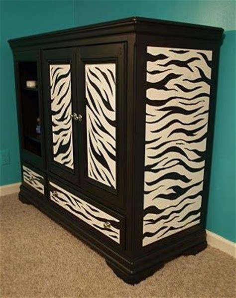 1000 ideas about zebra bedroom decorations on zebra bedrooms pink zebra bedrooms