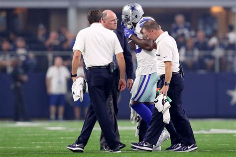 Dez Bryant Criminal Record Dez Bryant Doesn T Practice Awaits Mri Results On Injured Knee Sfgate