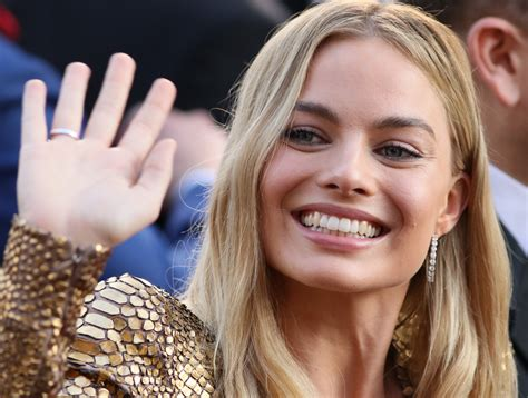 margot robbie to star as tonya harding in the biopic i