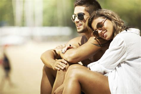 Couples Dating 10 Signs You Are Dating A Not A Boy Feed Fad