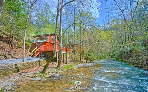 Cabins On Pigeon River by Find Pigeon Forge Cabin Rentals Near Creeks And Rivers
