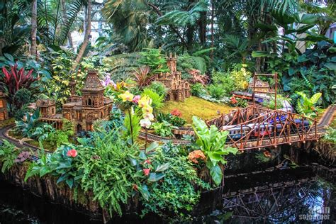 The Holiday Train Show At Nyc Botanical Garden Show At Botanical Garden