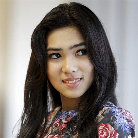 Model Rambut Isyana by Gambar Artis Tercantik Indonesia Foto 2017