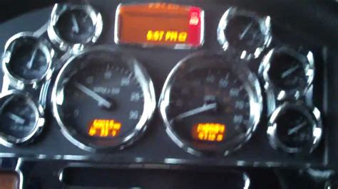 Peterbilt 379 Interior Dooner S Peterbilt 389 Truck Tour Part 1 Youtube