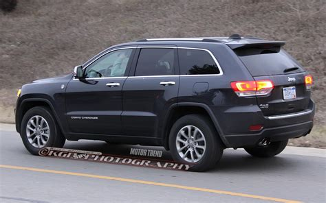 jeep grand cherokee limited 2014 caught refreshed 2014 jeep grand cherokee completely revealed