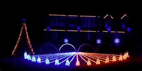 auburn fan designs an awesome christmas lights show with