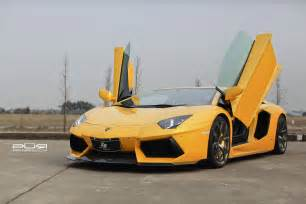 Yellow Lamborghini Images Bright Yellow Lamborghini Aventador On Bronze Pur Wheels