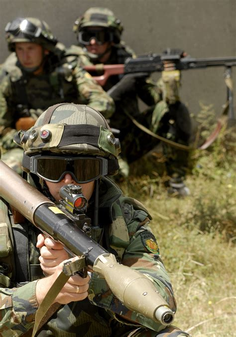 arsenal jsco file rpg soldier and squad jpg wikimedia commons