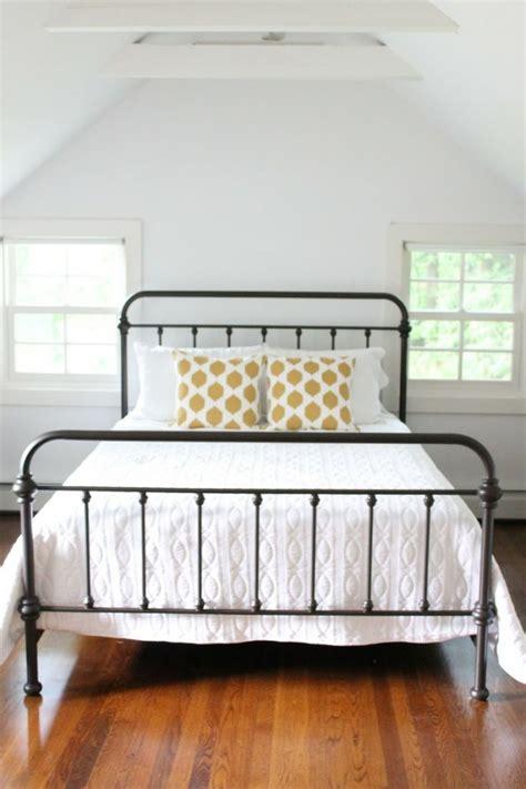 decorar dormitorio con cama de hierro 191 pensando en renovar tu cama 161 las de hierro son tendencia