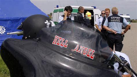 Friseur Gummersbach 100 Polizeibeamte Kontrollieren Hells Angels Auf Dem