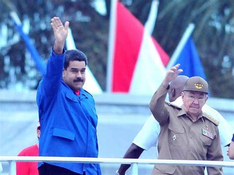 nicols maduro el 1ero de mayo da internacional del trabajador presiden ra 250 l y nicol 225 s maduro el desfile por el d 237 a