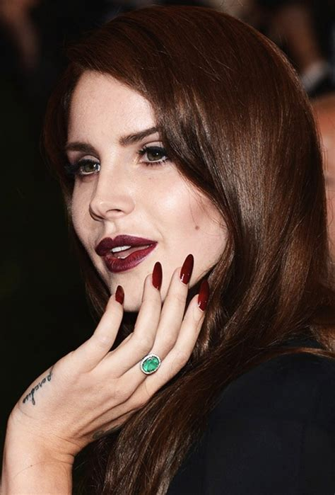celebrities who rock the stiletto nails lana del rey and
