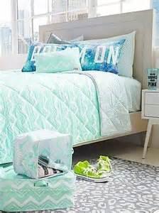 Victorias secret pink mint green aztec reversible comforter bedding