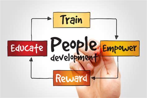 employee development 10 ways to achieve effective employee development in smbs