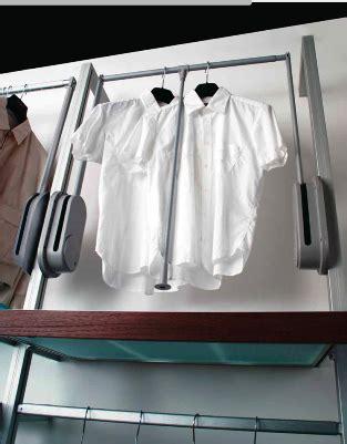 appendiabiti per cabina armadio appendiabiti inclinabile per armadi e mobili