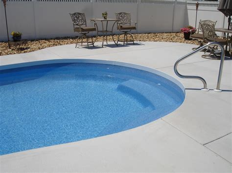 cantilever style pool deck   hassle