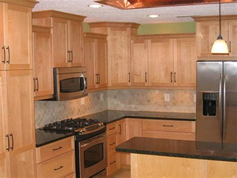 maple kitchen cabinets with granite countertops countertops for maple cabinets maple cabinets quartz