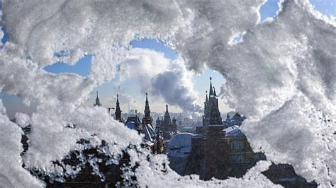 imagenes de invierno en rusia el fr 237 o ha matado a 223 personas este invierno en rusia