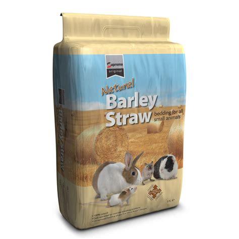 straw bedding supreme natural barley straw 17ltr feedem