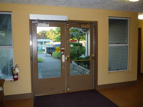 door swings swing door operators harbour door