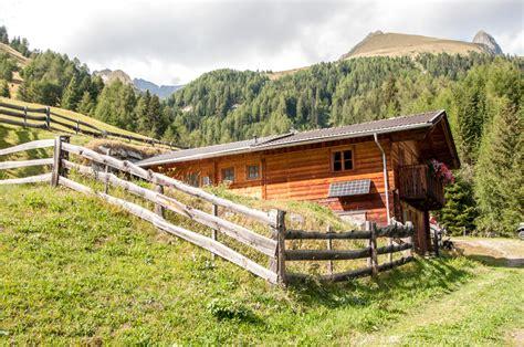 Urlaub Almhütte Tirol by Almh 252 Tte Goisnalm 1 650 M Selbstversorgerh 252 Tte In Virgen