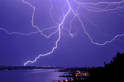 lighting images 5 weird facts about lightning weirdnature