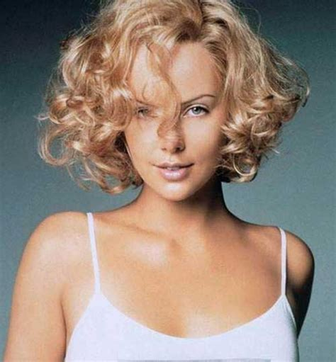 haircuts curly hair oval face short haircut for curly hair oval face the best short