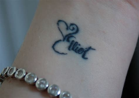 images of name tattoos on wrist tatto tattoos on wrist names