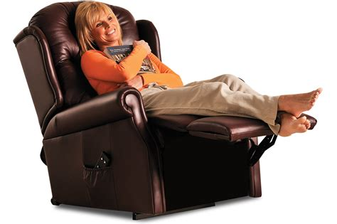 small recliners for ladies small bedroom recliners